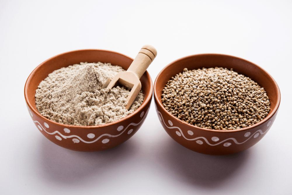 बाजरा खाने के फायदे - Bajra Benefits in Hindi